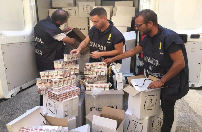 GdF Caserta, sequestrata oltre una tonnellata di sigarette: due arresti