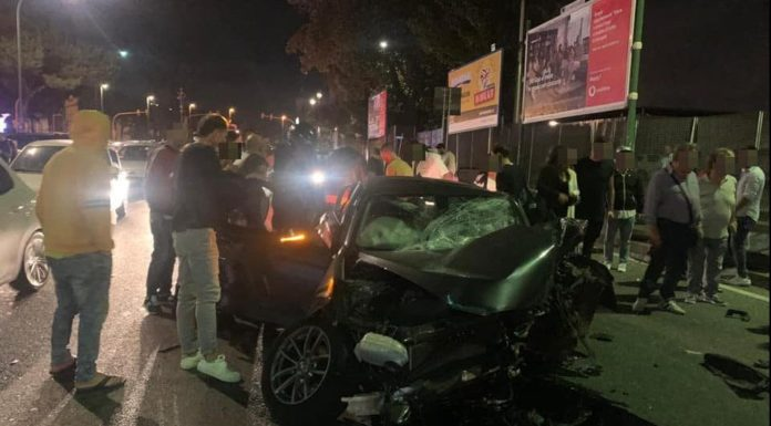 Fuorigrotta, incidente stradale a piazzale Tecchio: quattro feriti