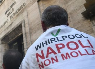 Whirlpool, stabilimento di Napoli chiude per 5 giorni: produzione ridotta