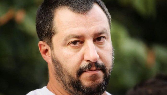 """Matteo Salvini a CRC: """"Povera Napoli, deve sorbire de Magistris ancora due anni"""