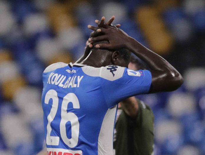 Calcio Napoli, si ferma Koulibaly per un problema alla spalla