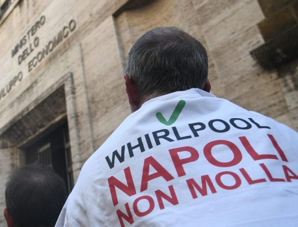 """Whirlpool, l'azienda: """"Dl crisi imprese non basta per lo stabilimento di Napoli"""""""