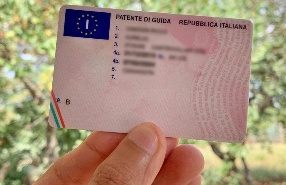 Agenzia delle Entrate: aumenta l'Iva sulla patente di guida