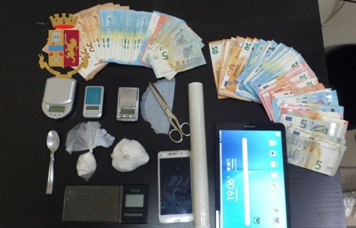 Casavatore, scoperta centrale della droga: due arresti e sequestro di cocaina