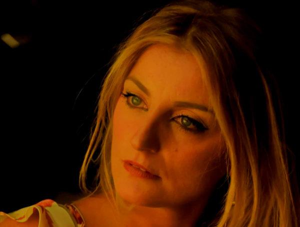 Alessia Moio al Nuovo Teatro Sancarluccio con 'A voce 'e Napule