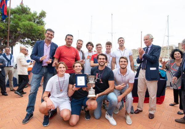 """Canottaggio: Il Circolo """"Italia"""" vince la Coppa Lysistrata"""