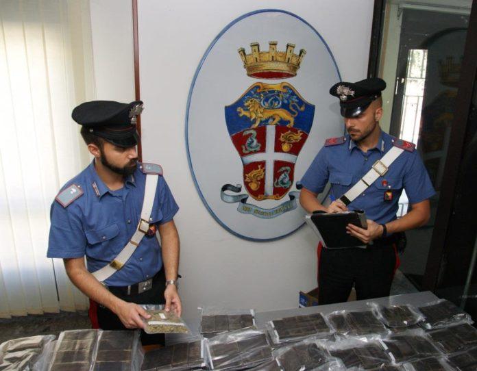 Asse della droga tra Napoli e Palermo, arrestati 4 corrieri: I NOMI