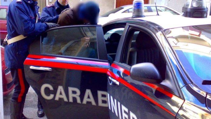 Napoli, Ponticelli: parcheggiatore abusivo arrestato per rapina nei pressi di Villa Betania. IL NOME