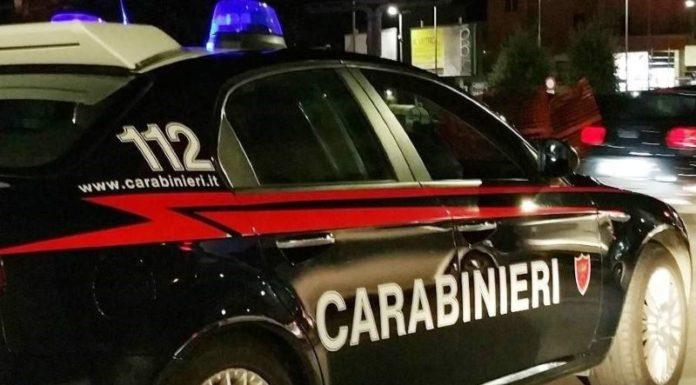 Centro storico di Napoli, lite con forbici e cocci di bottiglia: due feriti