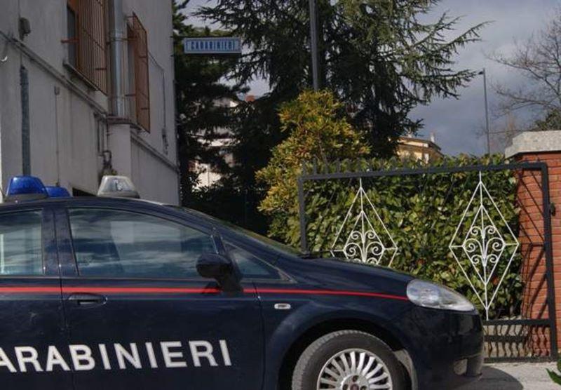 Nusco, minaccia di morte la moglie e oltraggia Carabinieri: arrestato un 40enne