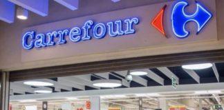 Carrefour, 52 dipendenti licenziati: la comunicazione arriva su Whatsapp