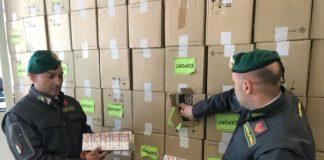 Salerno, contrabbandieri di sigarette con il reddito di cittadinanza: arrestati