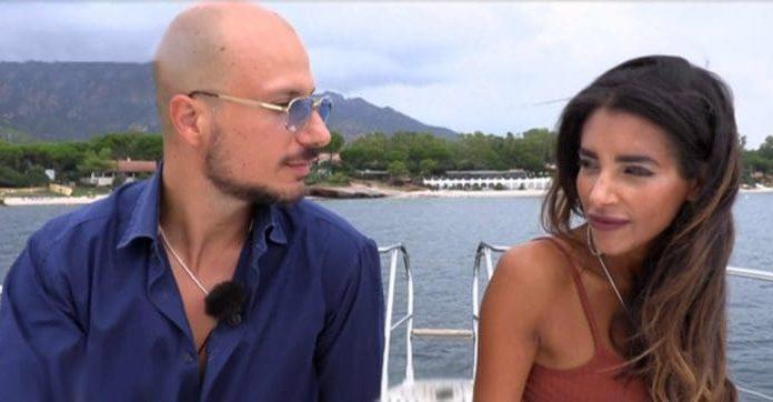 Temptation Island Vip 2019: la fidanzata di Gabriele Pippo bacia il tentatore Valerio