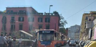 Posillipo, una domenica con due incidenti stradali: tre feriti