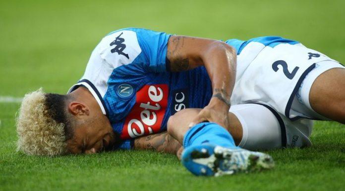 Calcio Napoli, stop per Malcuit: trauma contusivo alla gamba