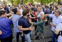 Le Iene, Filippo Roma aggredito a Napoli da attivisti M5s