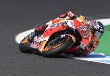 MotoGp: Marquez trionfa a Motegi, cade Valentino Rossi