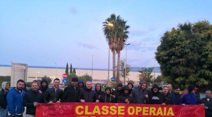 Sciopero dell'industria: operai di Leonardo Nola a sostegno dei lavoratori Whirlpool