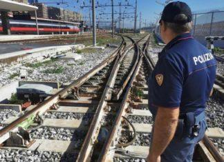 Si fingono operai e rubano rotaie nella stazione di Caserta: due arresti