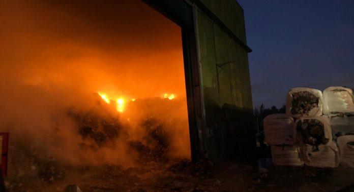 Caserta, in fiamme lo Stir di Santa Maria Capua Vetere