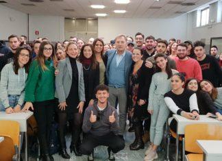 300 studenti della Parthenope a lezione da Franco Porzio