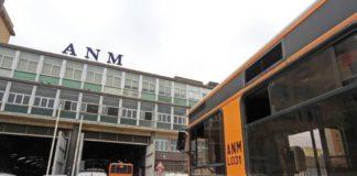 ANM, choc a Fuorigrotta: calci sul bus e autista minacciato (VIDEO)