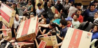 Il Black Friday a Napoli: ecco i negozi che aderiranno alla giornata degli sconti