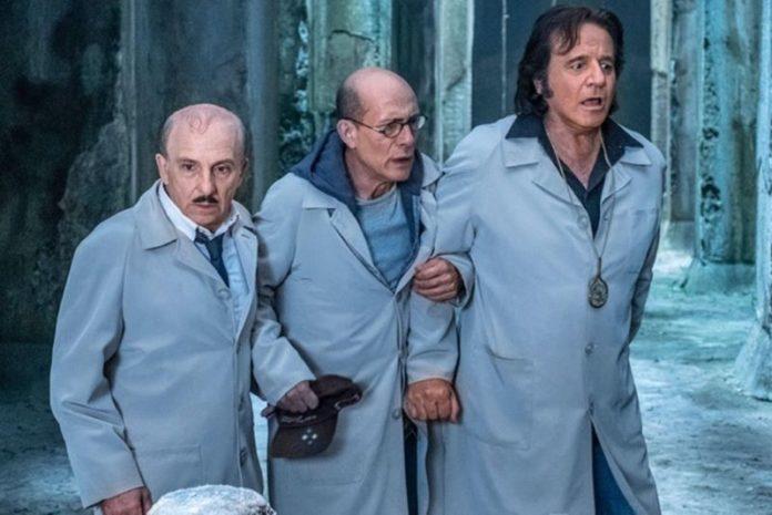 """Sono solo fantasmi: De Sica, Buccirosso e Tognazzi """"acchiappafantasmi alla napoletana"""" (Trailer)"""
