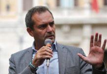 Luigi de Magistris resta sindaco di Napoli: respinta la mozione di sfiducia