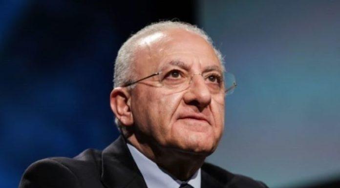 """Vincenzo De Luca: """"8 milioni per progetti scolastici. Regionali? Sono tranquillo"""""""
