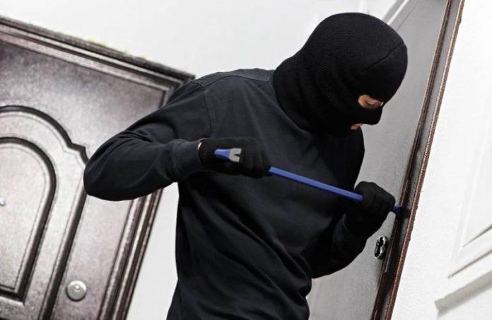 """Quartieri Spagnoli: Carabinieri arrestano due """"topi di appartamento"""""""