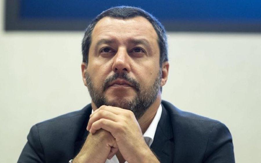 "Matteo Salvini: ""Renzi? Fonda partiti ogni quarto d'ora"