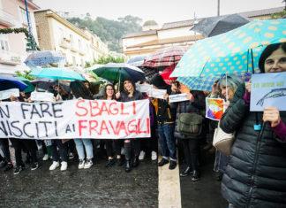 """Salvini a Sorrento: a riceverlo la pioggia e le """"fravaglie"""""""