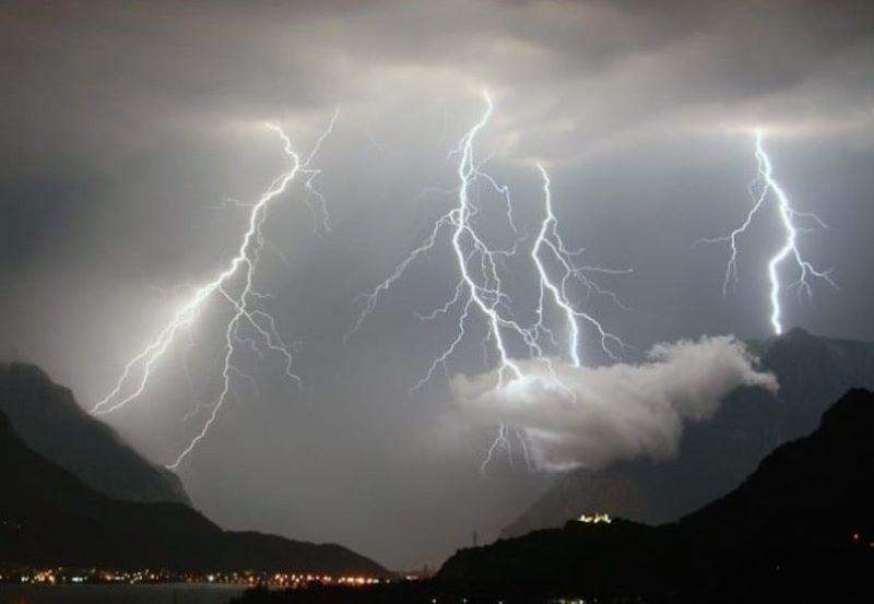 Allerta meteo in Campania da mezzanotte per temporali