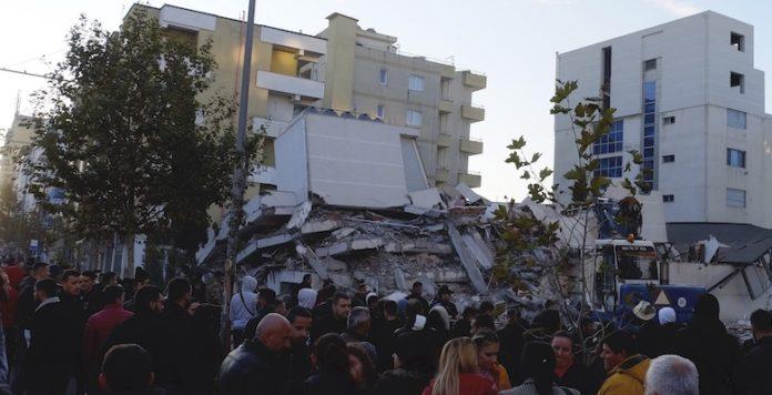 Terremoto in Albania, scossa di magnitudo 6.5: almeno 7 morti e 150 feriti