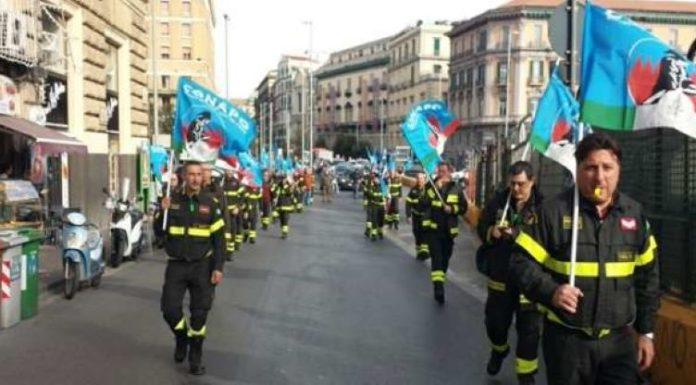 Manovra finanziaria: protestano i vigili del fuoco del Conapo di Benevento