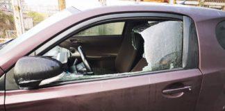 Raid nella notte a Fuorigrotta, depredate decine di auto