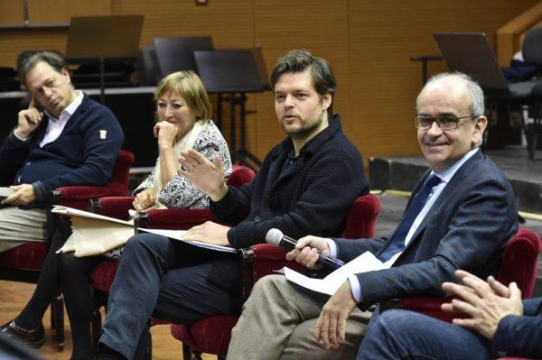 Al Teatro San Carlo l'opera lirica