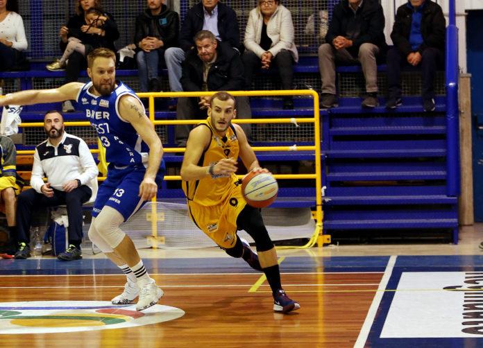 Basket. La Virtus Bava Pozzuoli perde con l'Olimpia Matera