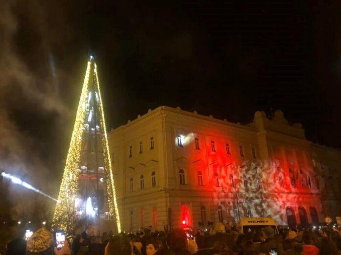 Benevento, è polemica sul flop luci di Natale: Confcommercio lancia class action