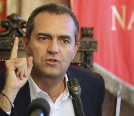 """Scontro metro Napoli, de Magistris: """"La città è tagliata in due"""""""