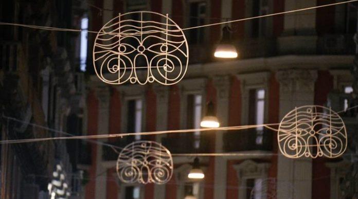 Natale a Napoli, in tutta la città 16 chilometri di strade illuminate