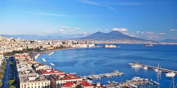 Un elogio alla città di Napoli e al suo singolare