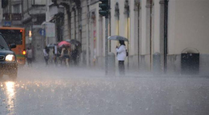 Pioggia e grandine a Napoli: vari allagamenti a Fuorigrotta e Pianura