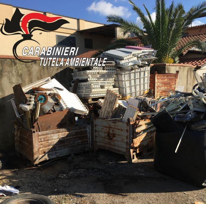 Giugliano, trovata area con rifiuti speciali: due denunce e sequestri per 50mila euro