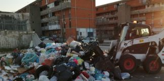 Napoli, Ponticelli: E' partita la bonifica dei rifiuti in viale Carlo Miranda [Foto]
