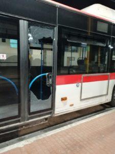 Paura a Casoria, raid vandalico di una baby gang su un bus Anm