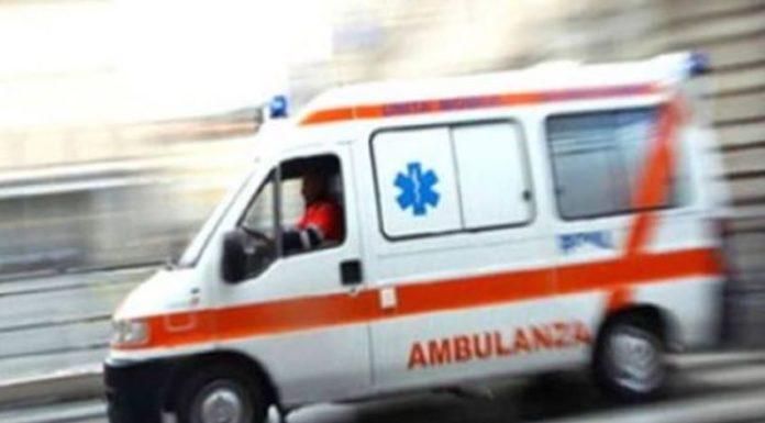 Acerra: Due uomini si accoltellano in clinica dopo una lite in strada per una donna