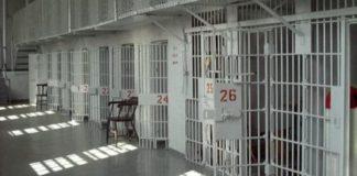 Carcere di Carinola: detenuto butta un educatore giù dalle scale