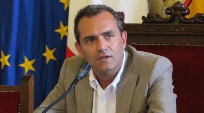 """Coronavirus a Napoli, de Magistris: """"Pronti per ripartire il 4 maggio"""""""